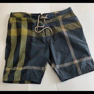 Burberry shorts xl